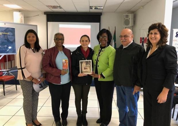 Bom-Aluno-recebe-comitiva-da-Jacksonville-Sister-Cities-Association-para-apresentar-proposta-de-parceria-para-intercâmbio-Portal-IC.jpeg